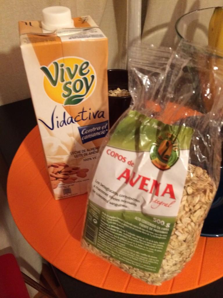 IMG_1948_oatmeal almond milk