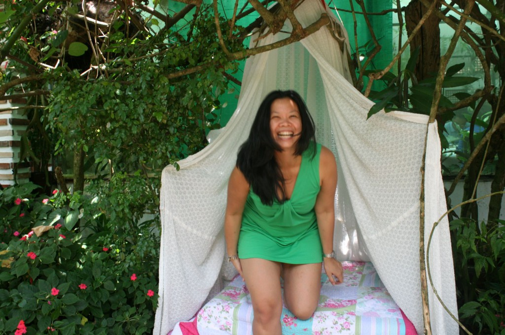 Me at Sonya's Garden, four years ago! ALIVE, laughing and as usual, unable to keep still!