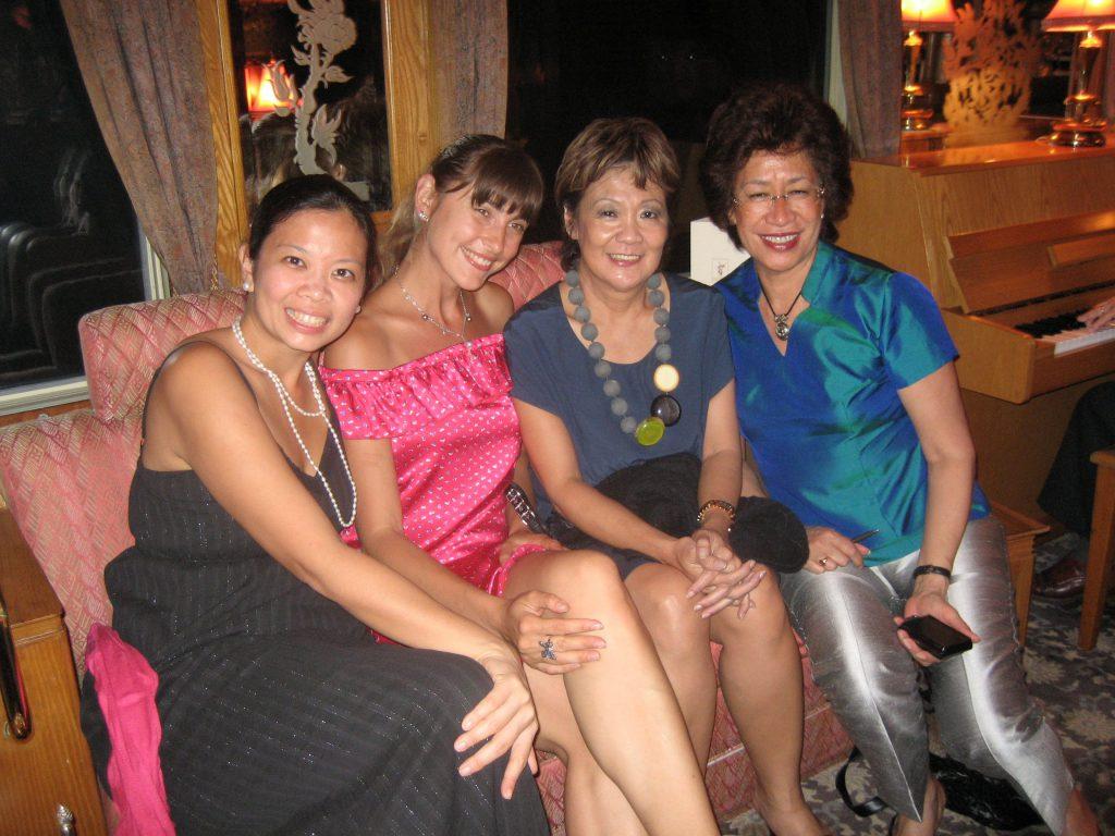 ladies-at-eo