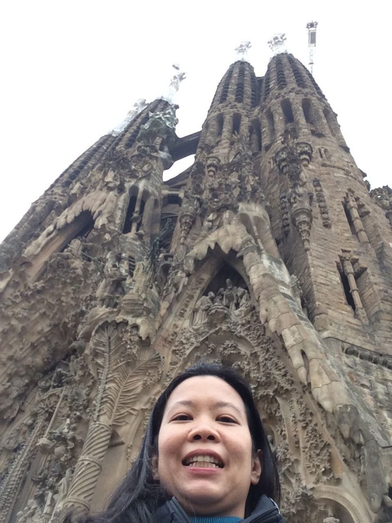 sagrada-familia-and-maida